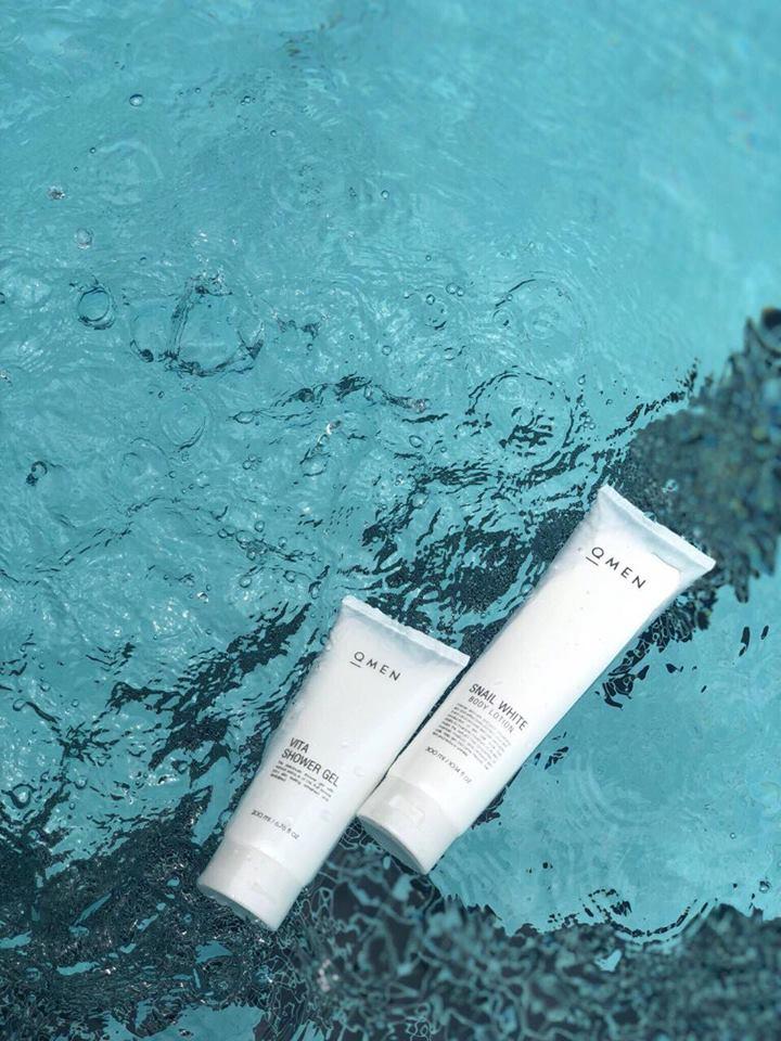 Bộ đôi siêu dưỡng da cho nam QMEN lotion body va shower gel